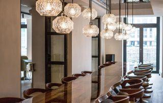 Restaurant mit Tafel, Sir Nikolai Hotel, Hamburg