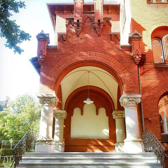 LOS – Denkmalgerechte Sanierung des Lilienthal-Gymnasiums in Berlin übergeben