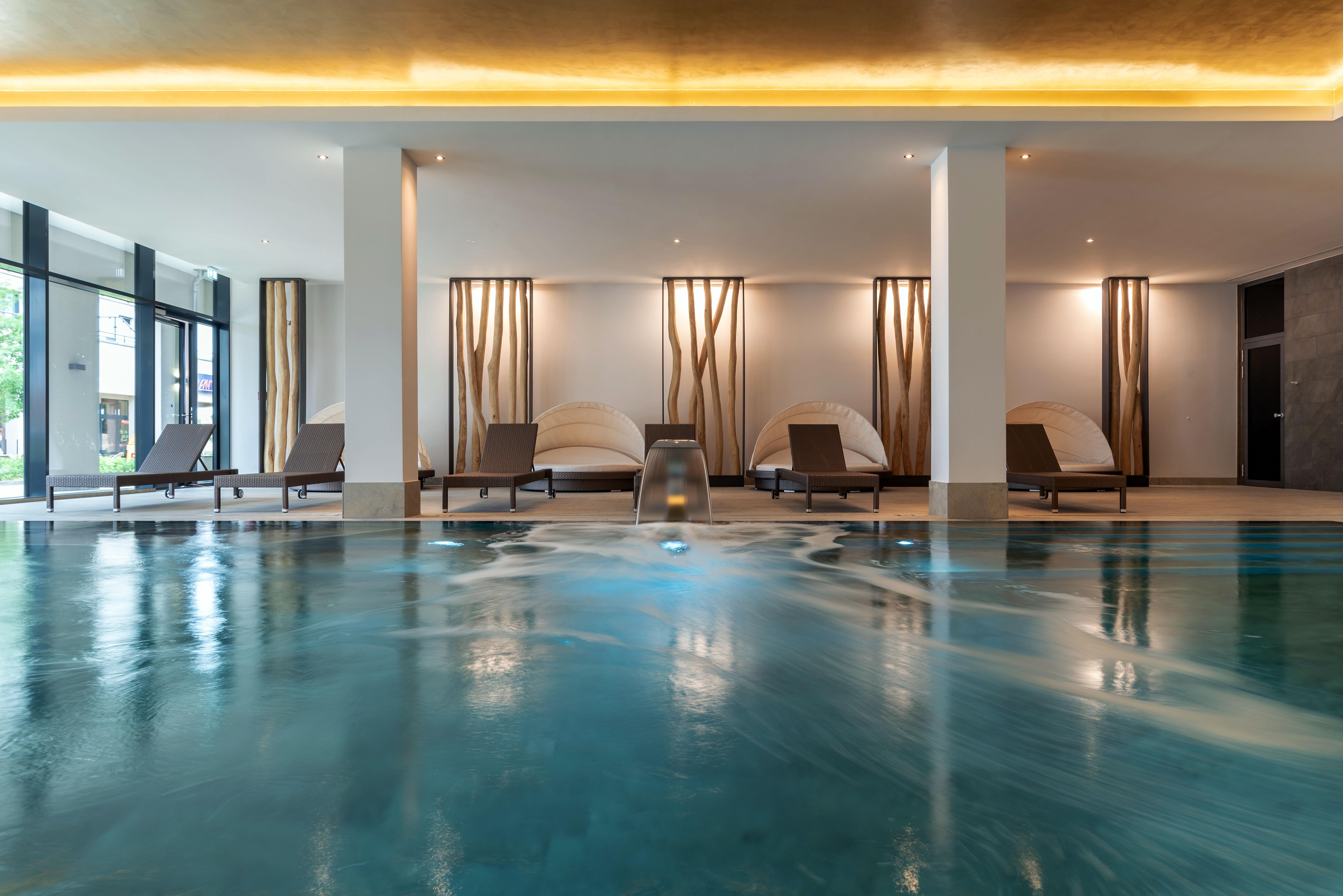 Poolbereich, Upstalsboom Waterkant Suites
