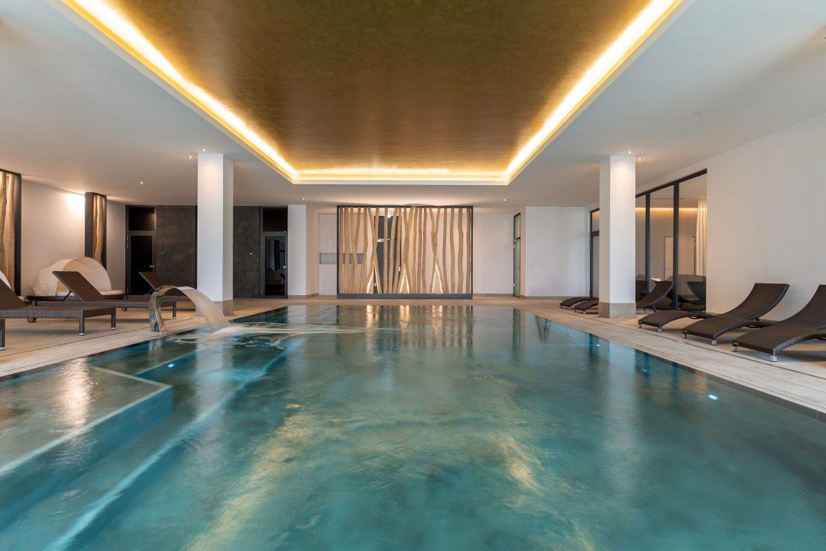 Pool im SPA-Bereich, Upstalsboom Waterkant Suites
