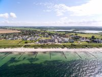 Vogelperspektive vom Strand, Upstalsboom Waterkant Suites