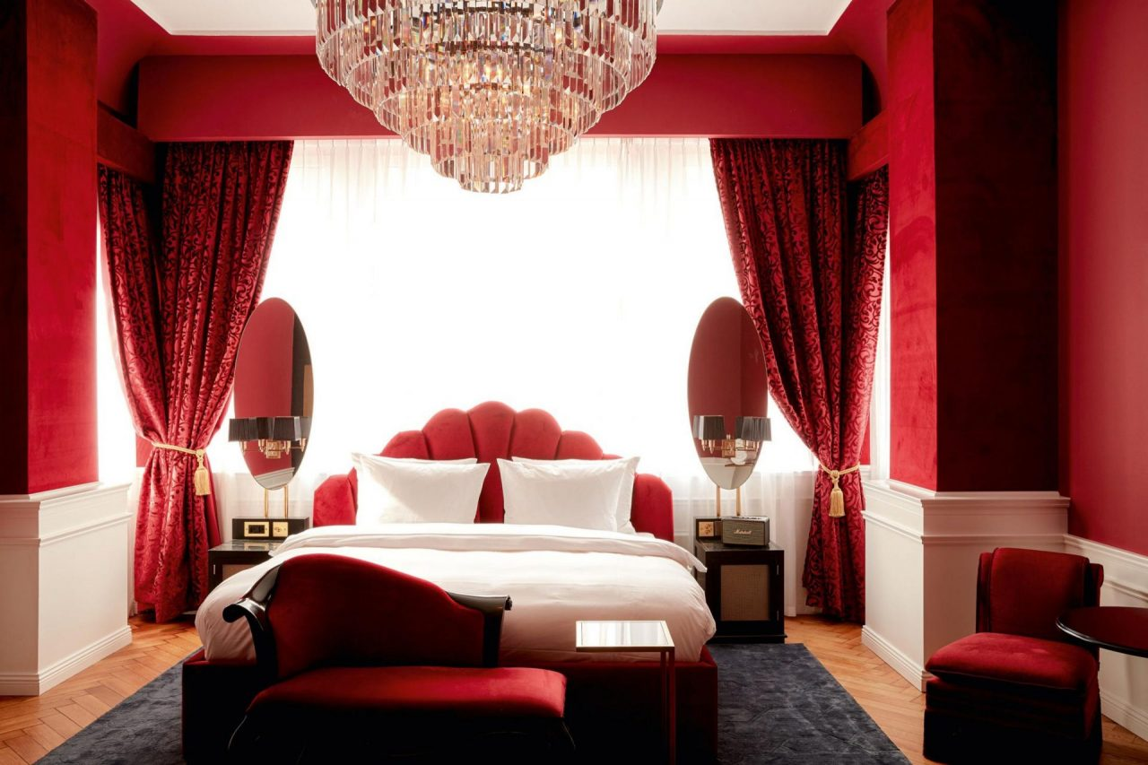 Zimmer in rot, Hotel Provocateur, Berlin