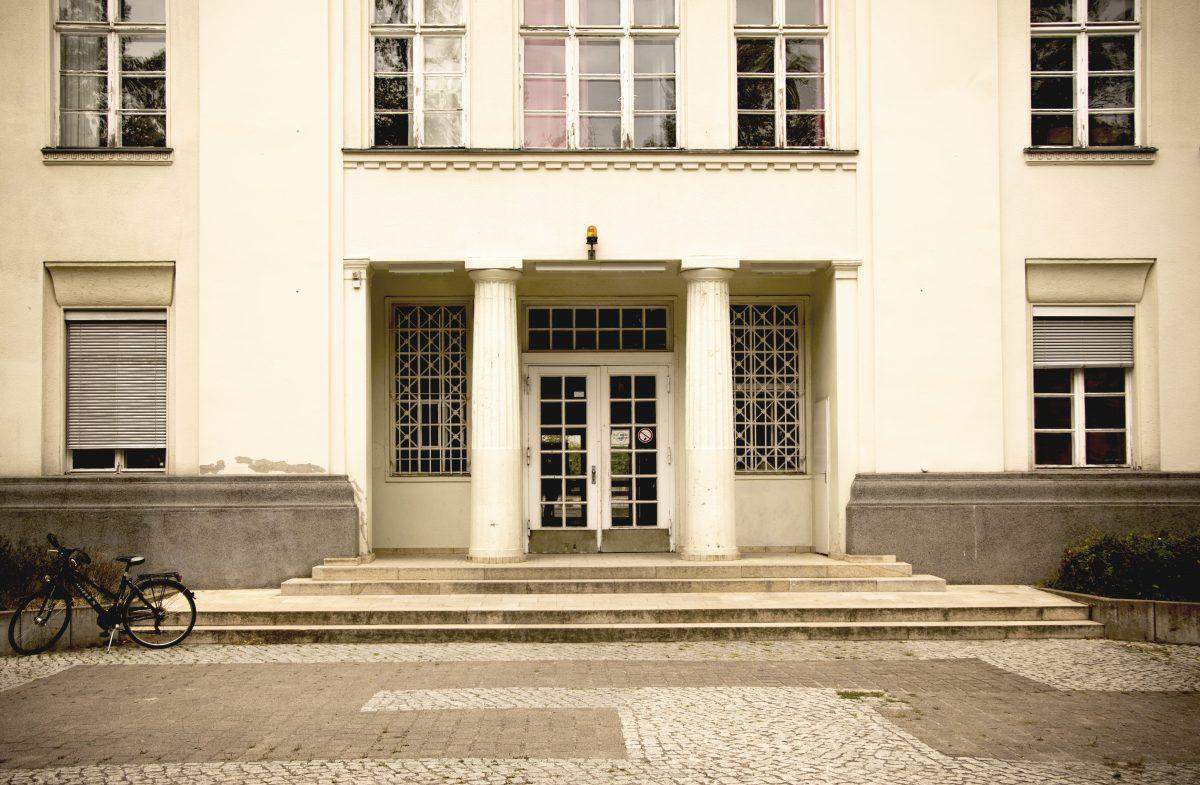 Eingang, Beethoven Gymnasium, Berlin