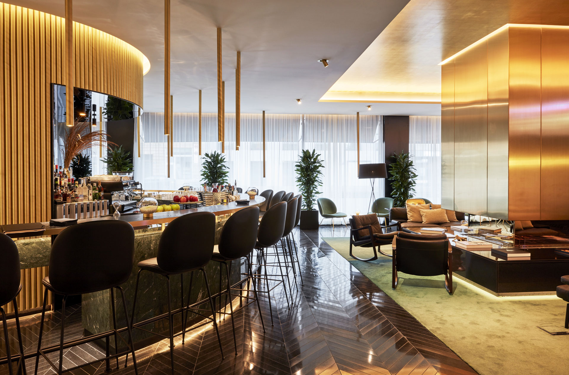 Lobby mit Bar, Roomers Hotel München