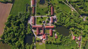 Komplette Anlage aus der Luft, Katholische Landvolkshochschule Hardehausen ©Jan Braun