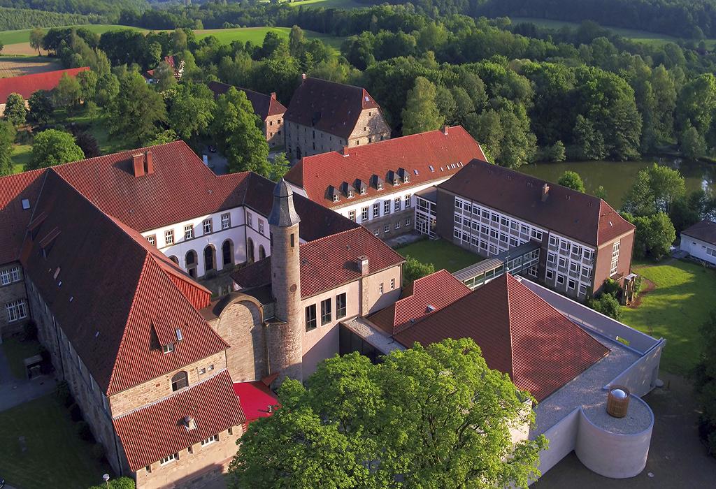 Luftbild, Katholische Landvolkshochschule Hardehausen ©Jan Braun